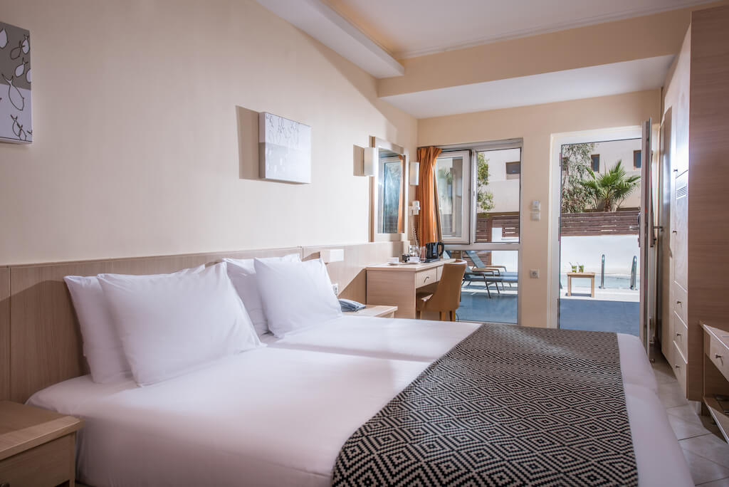 Standard Double room with Private pool | Lavris Hotels Group