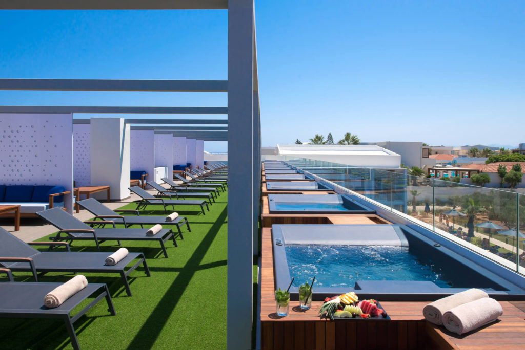 Lavris Hotels Group